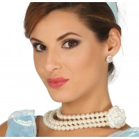 Collana di perle con fiore